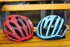 今年の話題のヘルメット 順次入荷中です
